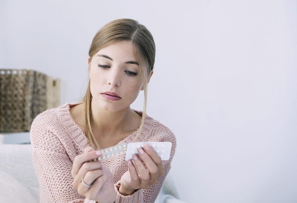 Коричневые выделения на ранних сроках беременности: причины, возможные опасности, лечение