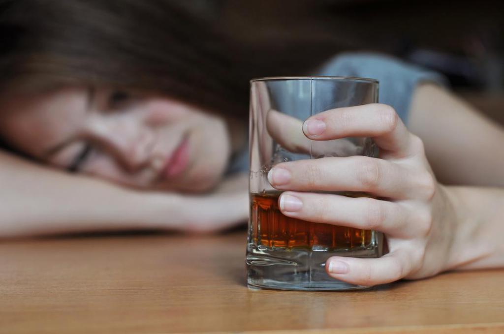 Что делать когда перепил алкоголь и тошнит