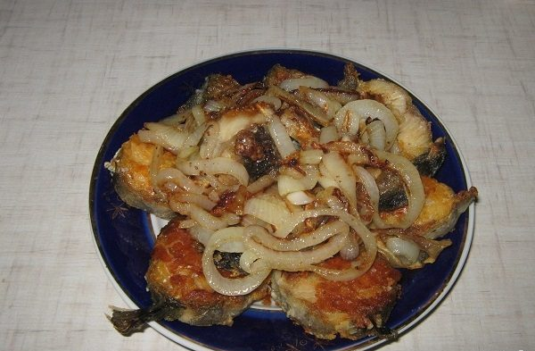 how to fry pollock with onions in a pan