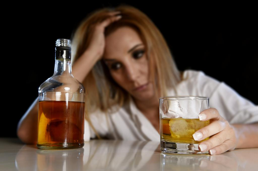 черная рвота после распития алкогольных напитков