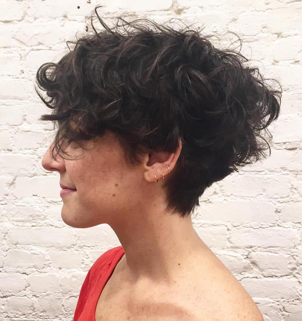 стрижка боб на кудрявые волосы