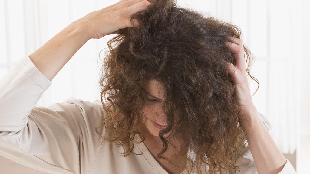 Зуд головы без перхоти причины и лечение 12