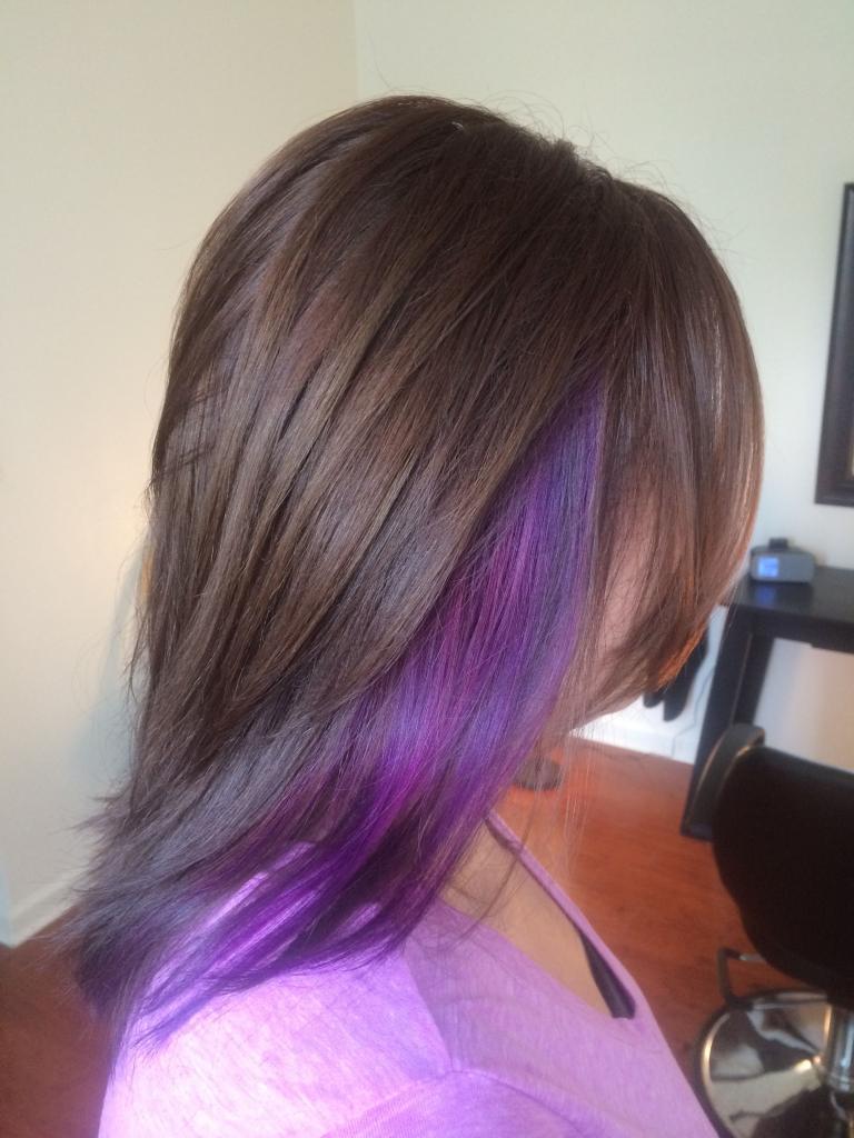 Фиолетовые пряди: оттенки, особенности окрашивания, фото