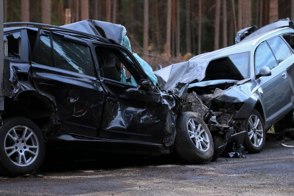 Картинка автомобильной аварии