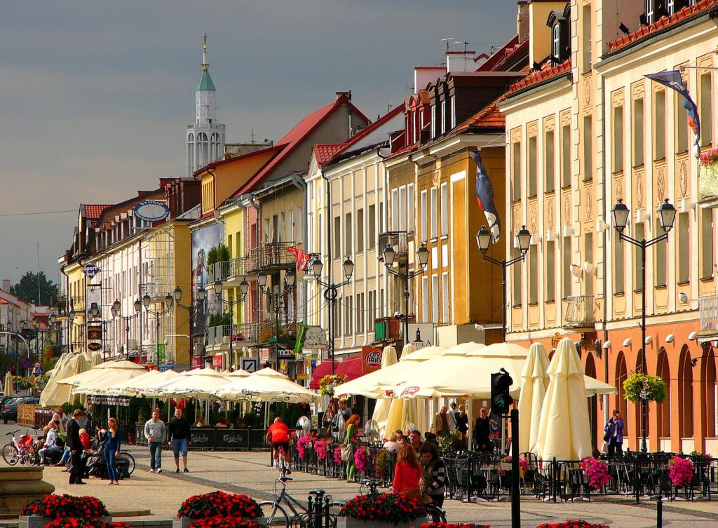 east poland Zillow helps you find the newest east poland real estate listings by analyzing information on thousands of single family homes for sale in east poland, maine and across the united states, we calculate home values (zestimates) and the zillow home value price index.