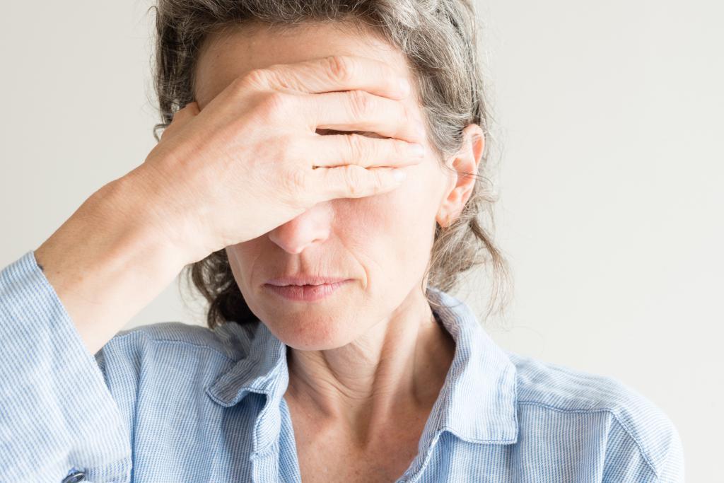При климаксе бывают мигрени