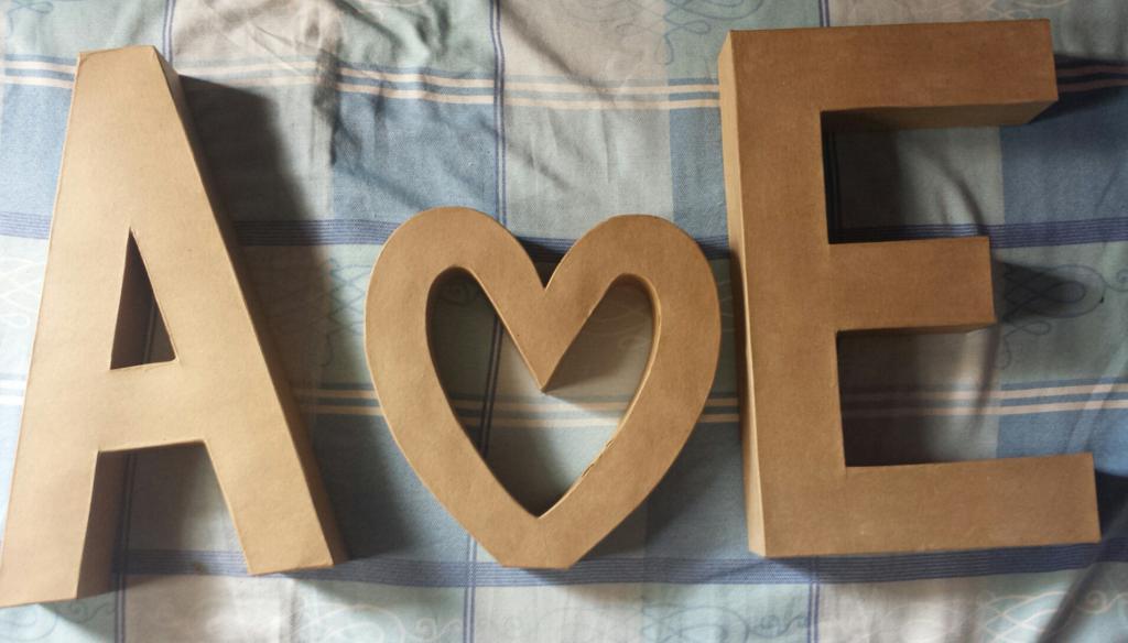 любовь из картона