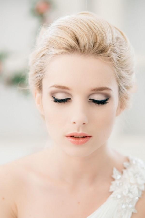 Свадебный макияж на светлое лицо