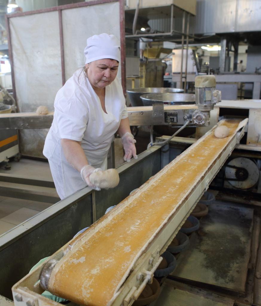 работница хлебозавода
