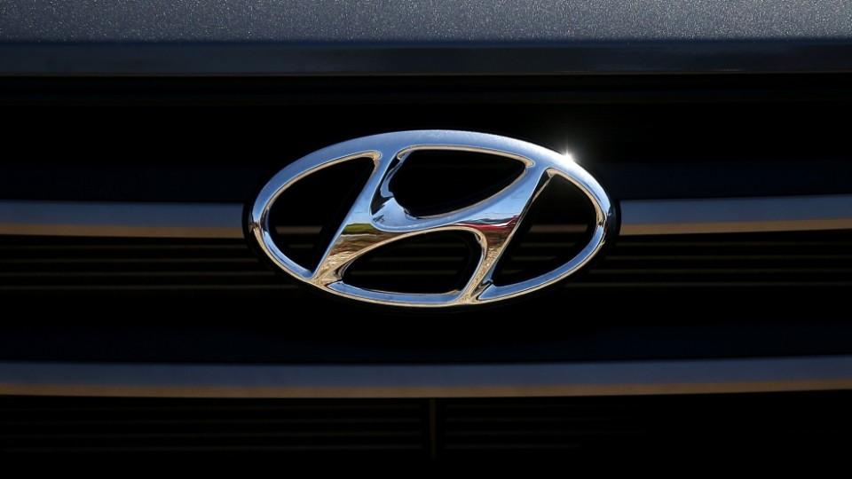 Эмблема автомобиля
