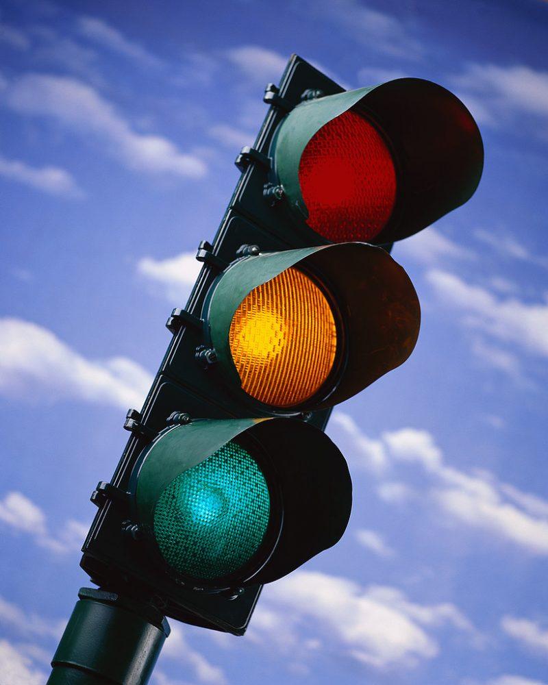 Куда звонить: не работает светофор. Кто обслуживает светофоры
