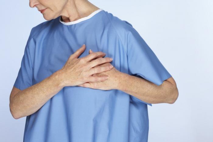 О чем говорит ноющая боль в области сердца?