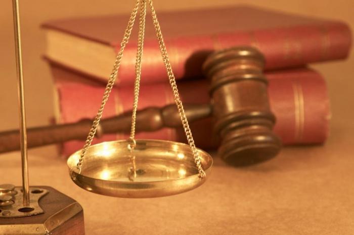психологическая защита в суде действия Элвина