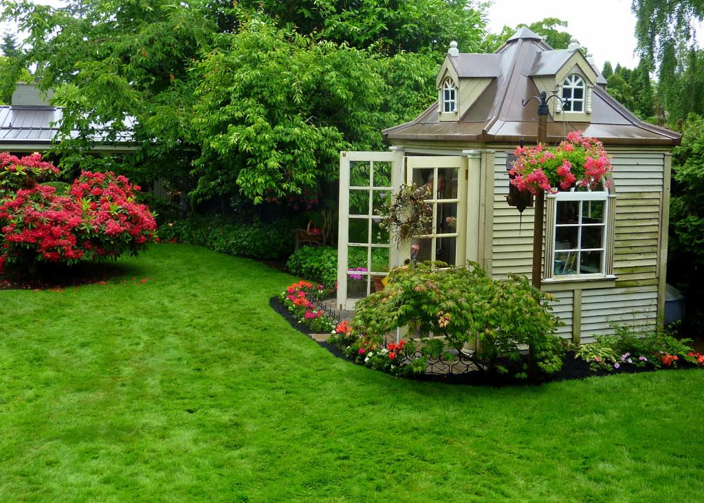 красиво оформленные садовые участки фото используйте спицы