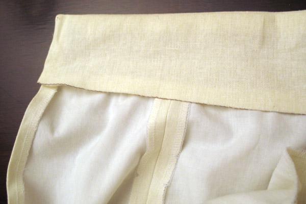 Как притачать пояс к юбке с потайной молнией