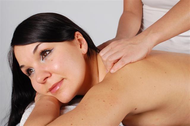 массаж при грыже позвоночника