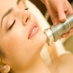 Лазерная шлифовка кожи вернет молодость и упругость, избавит от рубцов и веснушек