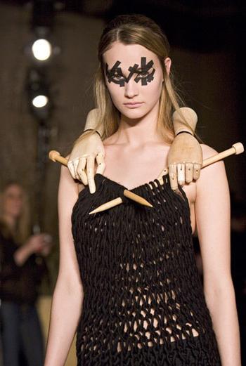вязать платье