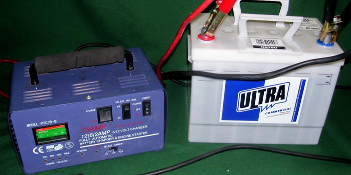 АКБ, зарядное устройство