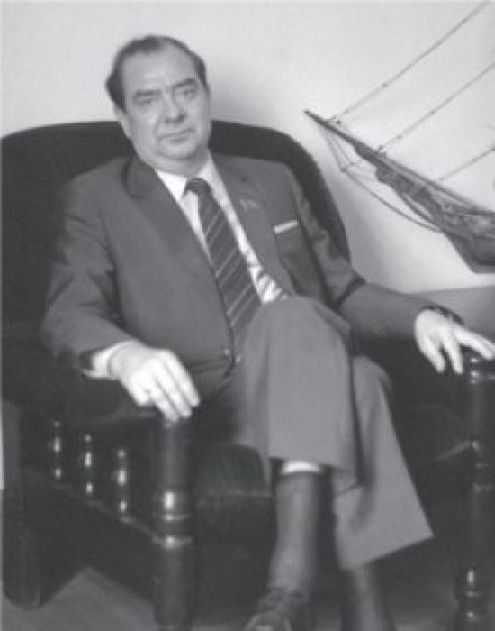 брежнев юрий леонидович биография фото