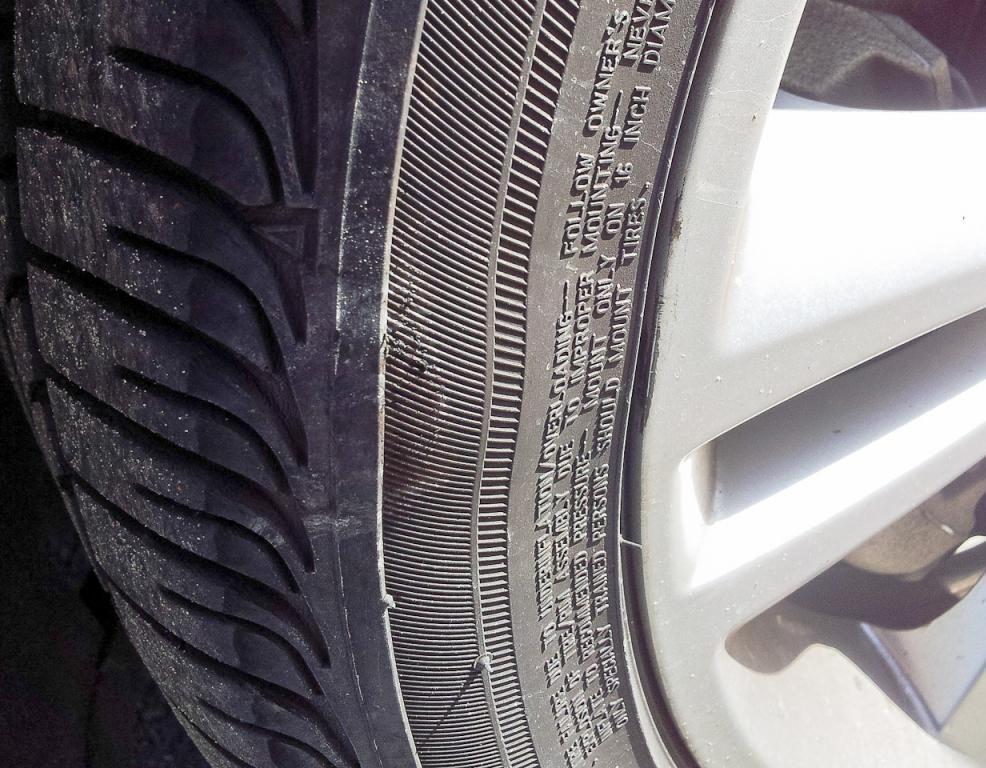 Пример грыжи на шинах