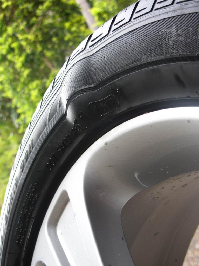 Пример грыжи на шине