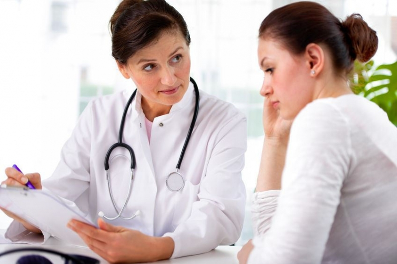 woman at the doctor