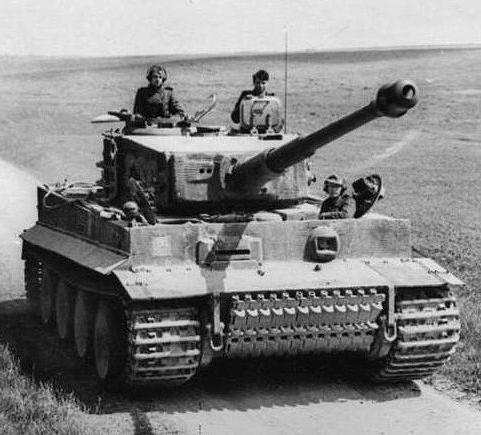 испытания обстрелом немецкого танка тигр