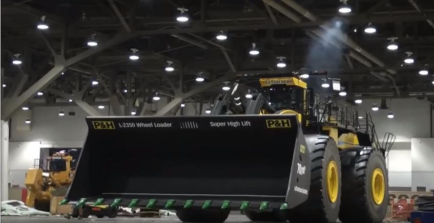 LeTourneau L-2350 - самый большой фронтальный погрузчик в мире