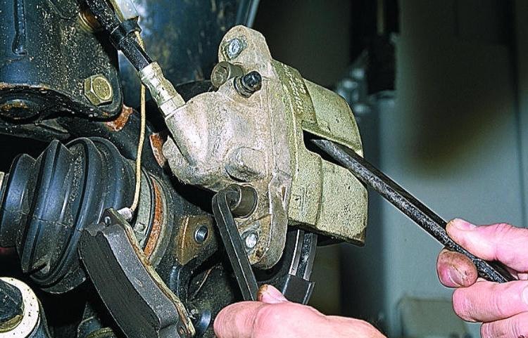 Суппорт на ВАЗ-2108: устройство, виды, ремонт