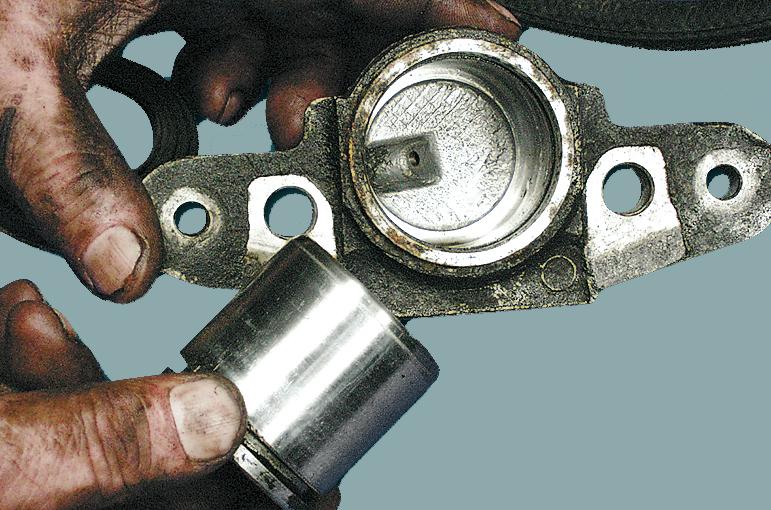 тормозной цилиндр и поршень