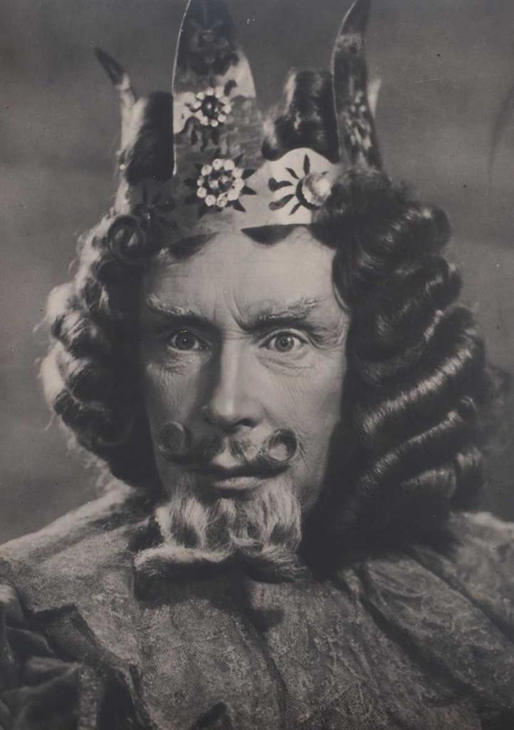 удалось гарин в роли короля фото сборник