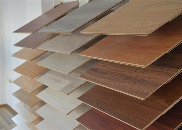 Varieties of laminate flooring