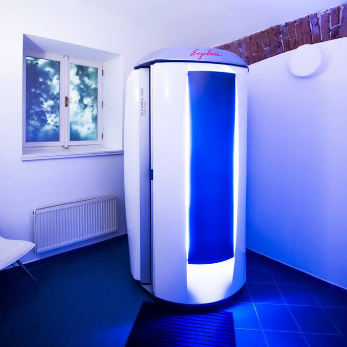 vertical tanning bed