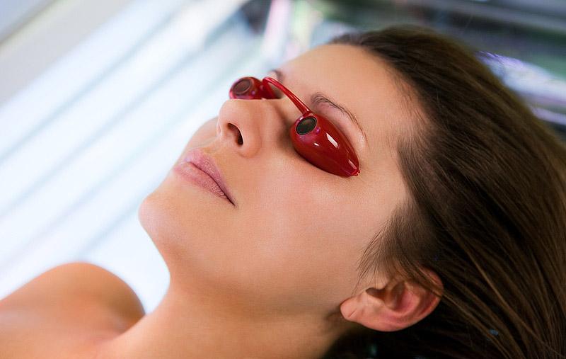 Tanning glasses in the solarium
