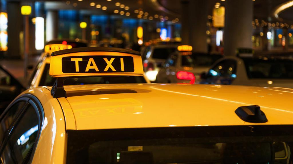 табличка такси