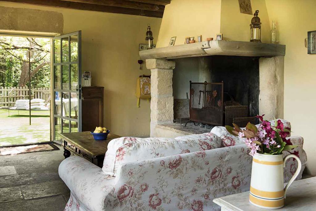 Французский камин: описание, внешний вид с фото, оригинальные идеи для дизайна и узнаваемый французский шик