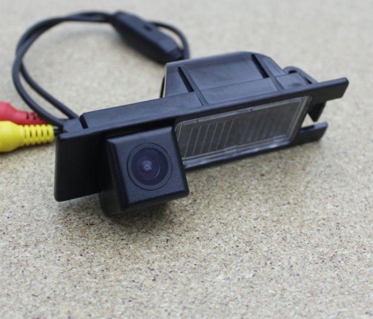 камера с подсветкой номера