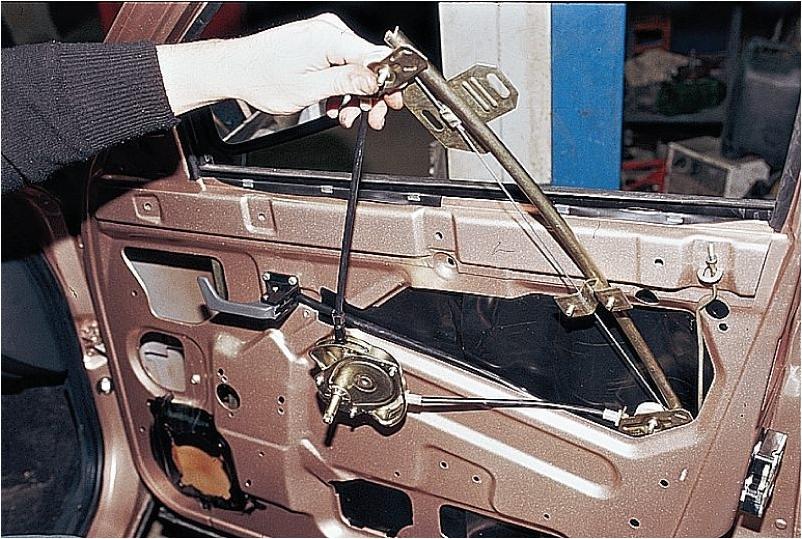 2911410 - Электрическая схема подключения стеклоподъемника