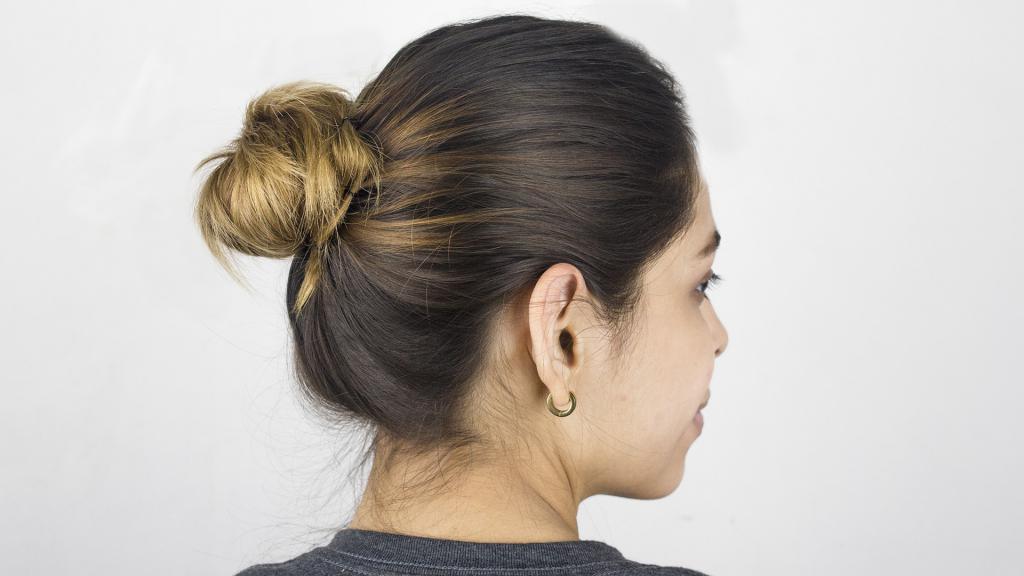Как собирать волосы в пучок: способы, фото