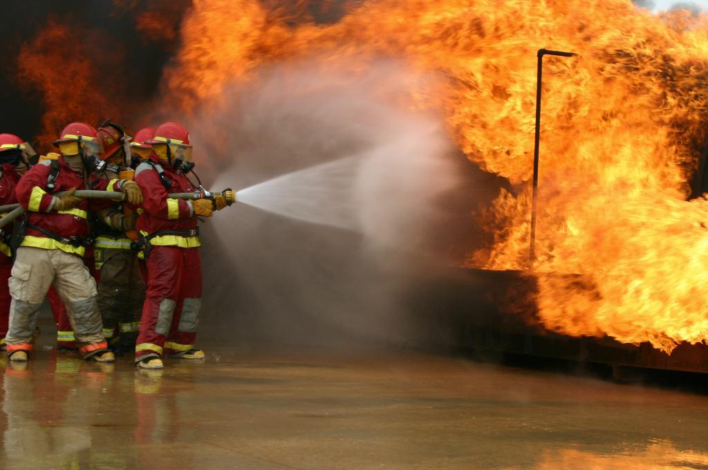 картинки про пожаротушение родители