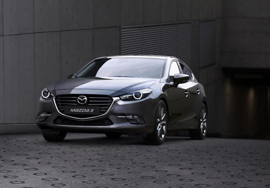 Передняя часть Mazda 3