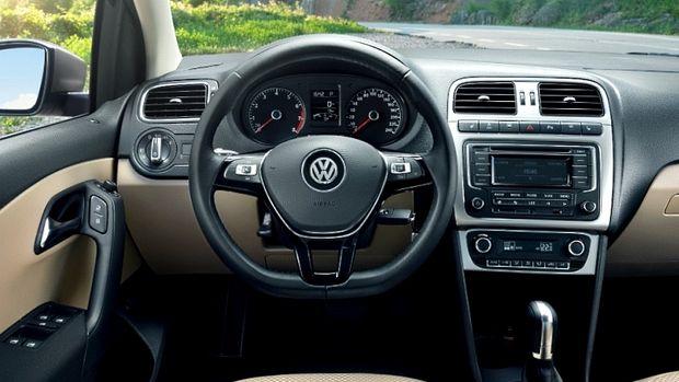 Интерьер немецкого автомобиля