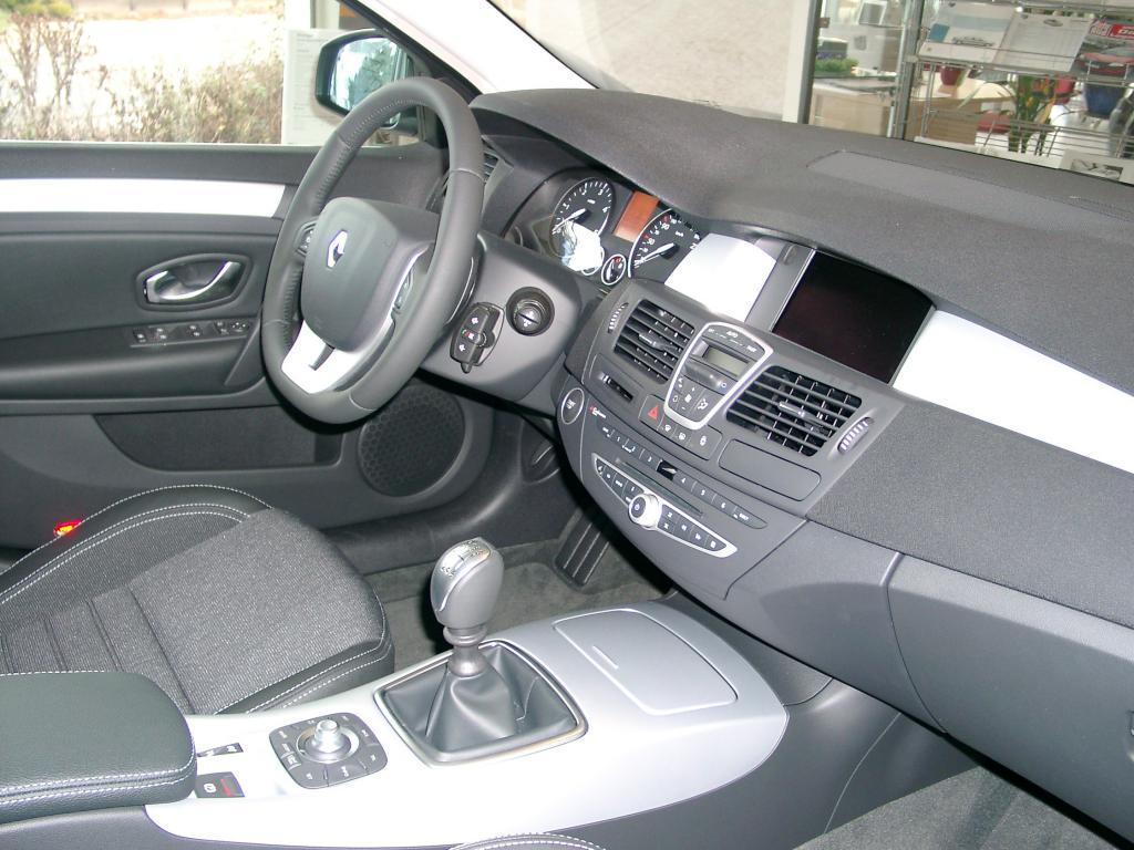 Интерьер автомобиля 2015 года