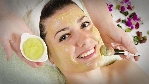 Яичный желток для лица: лучшие рецепты, результаты и отзывы