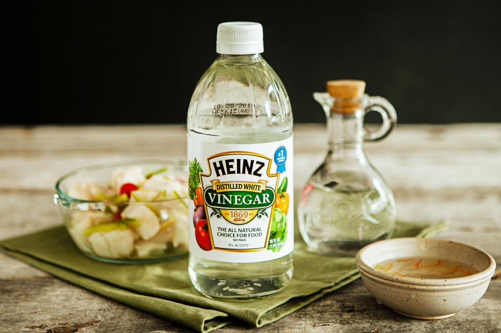 Table vinegar from a well-known company.
