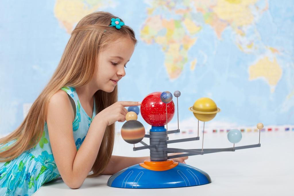 В каком возрасте ребенок должен знать цвета: возрастные нормы развития интеллекта и особенности обучения