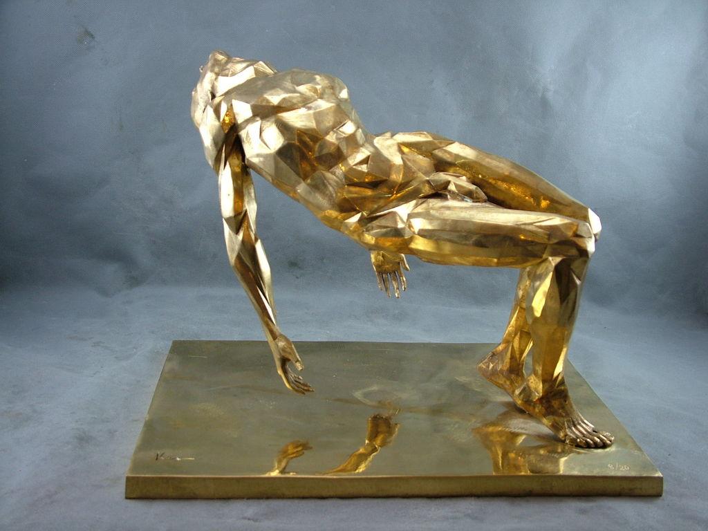 Бронзовая статуэтка
