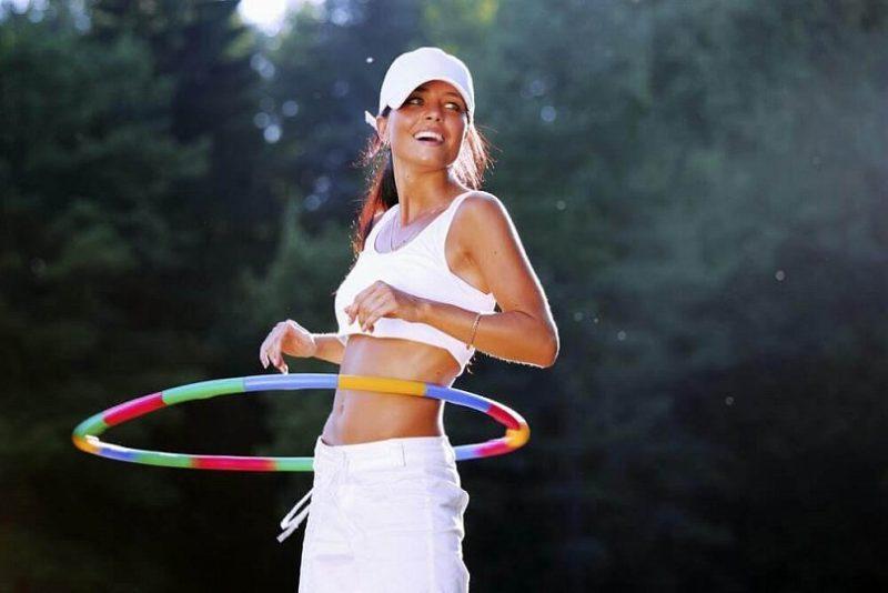 Поможет ли обруч похудеть? Как правильно крутить обруч для художественной гимнастики