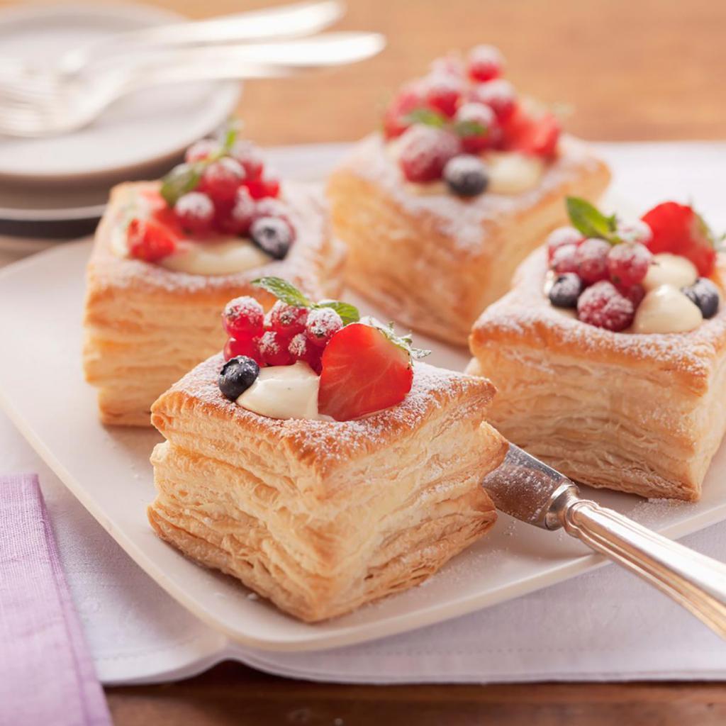 Тесто слоеное с ягодами